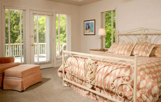 West Ridge master suite with a king bed